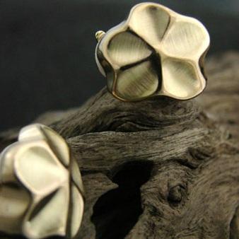 bucles d'oreilles